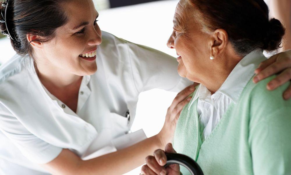 tareas trabajo interna cuidado de mayores