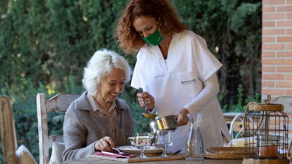 Conoce las opciones para elaborar una dieta para ancianos.